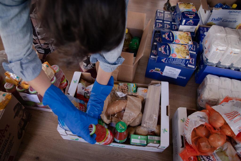 A Padova Potere al Popolo ha organizzato autonomamente la distribuzione di alimenti durante l'emergenza Covid. In questa intervista ci spiegano le ragioni.